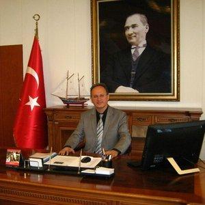 Turhan Veli Akyol