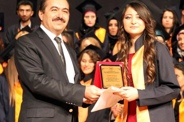 ERÜ'de mezuniyet töreni