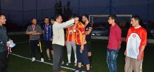 Aydıncık'ta halı saha turnuvası düzenlendi