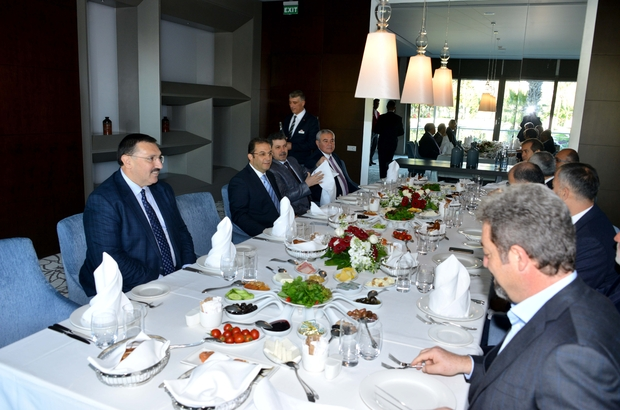 VALİ TÜRKER'DEN TURİZMCİLERLE G-20 DEĞERLENDİRME TOPLANTISI