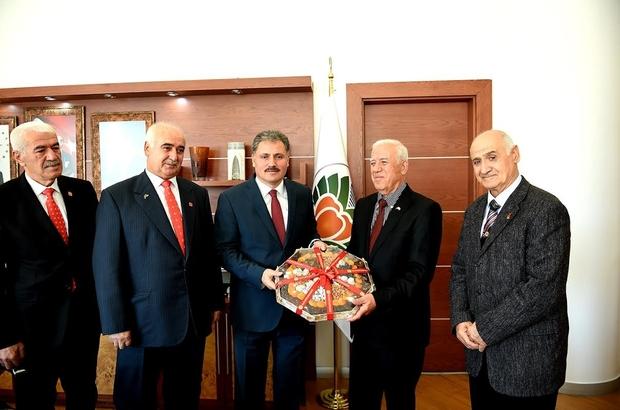 KIBRIS GAZİLERİ, BAŞKAN ÇAKIR'I ZİYARET ETTİ
