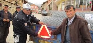TRAKTÖR SÜRÜCÜLERİNE 'GÜVENLİ SÜRÜŞ EĞİTİMİ'
