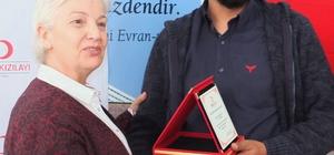 KIZILAY BOZTEPE ŞUBESİ'NDEN İHA'YA PLAKET