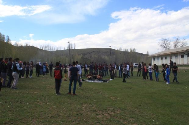 MURADİYE ŞELALESİ'NE YOĞUN İLGİ
