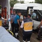 Kırıkkale'de işçi servisi devrildi: 2 yaralı
