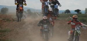 Antik kentte motokros yarışları