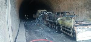 GÜNCELLEME 2 - Bolu'da bariyere çarpan tır yandı: 5 ölü, 2 yaralı