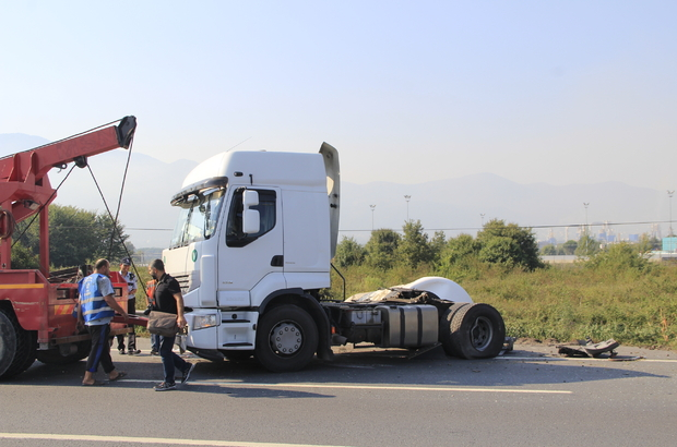 Kocaeli'de sıvı oksijen yüklü tanker devrildi: 1 yaralı