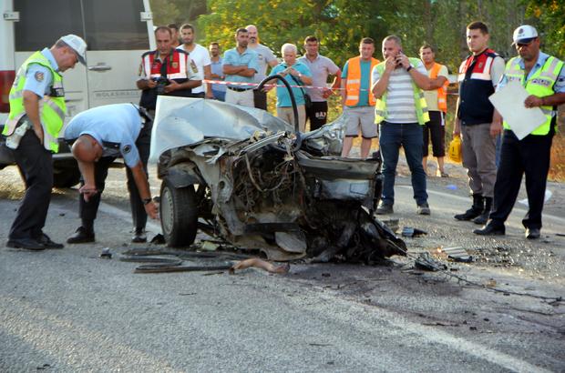 İzmir'de trafik kazası: 1 ölü, 14 yaralı