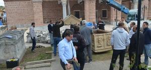 İznik'te zeytinlikte bulunan lahit açıldı