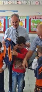 Gölbaşı'nda öğrencilere çanta ve kırtasiye yardımı