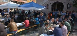 Türkeli'de bin 500 kişiye aşure dağıtıldı