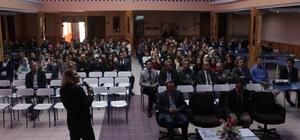 """Mudurnu'da """"Eğitimde iletişim"""" konferansı"""