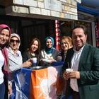 AK Parti Kadın Kolları üyeleri, aşure dağıttı