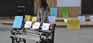 Şizofreni hastalarından sokak tiyatrosu