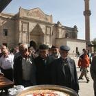 """Aksaray'da """"demokrasi şehitleri"""" için aşure dağıtıldı"""