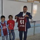 Bakan Soylu'dan Mardinli ikizlere Trabzonspor forması