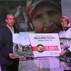 Antalyalı kadın çiftçiler ödüllerini aldı