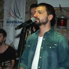 Mehmet Erdem, yelkenciler için konser verdi