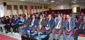 Erciş'te okul sporları toplantısı yapıldı