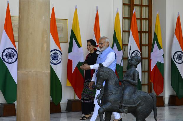 Hindistan'dan Suu Çii'ye yardım teklifi