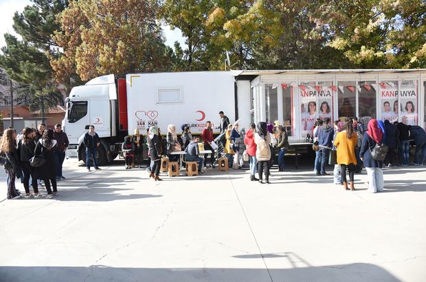 Üniversite öğrencilerine kan bağışı ve ilik nakli semineri