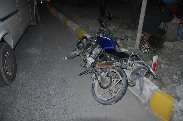 Muğla'da işçi servisi ile motosiklet çarpıştı: 3 yaralı