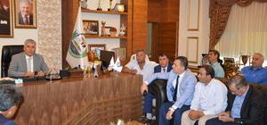 Serik'te muhtarlar Belediye Başkanı Çalık'ı ziyaret etti