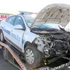 Trafik kontrolü yapan 2 polise otomobil çarptı
