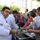 İskenderun'da Cuma namazı sonrası aşure ikramı