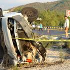 Muğla'da eşya yüklü kamyonet devrildi: 1 ölü, 2 yaralı