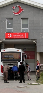 Edirne'de 80 sığınmacı ve kaçak yakalandı