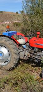 Durdurmaya çalıştığı traktörün altında kalan kişi öldü