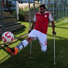 Kazada bacağını kaybetti, futbolla hayata tutundu