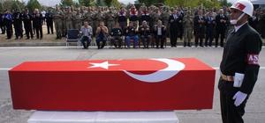 Malatya'da yol kontrolü yapan askerlere tırın çarpması