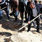 HDP'li milletvekilleri terörist cenazesine katıldı