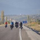 Bisiklet sporunu sevdirmek için pedal çevirdiler