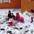 Çaldıran'a mevsimin ilk karı yağdı