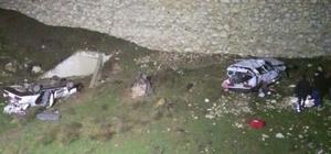 Aynı noktada iki otomobil devrildi: 3 ölü, 8 yaralı