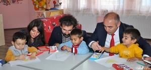 Anaokulu öğrencilerine oyuncak yardımı