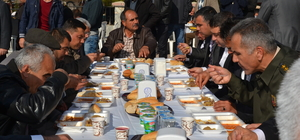 Şehit Aydındağ'ın evinde yemek verildi