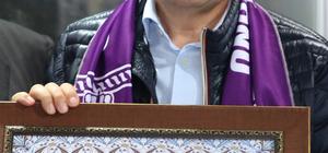 Vali Balkanlıoğlu'na fahri hemşehrilik beratı