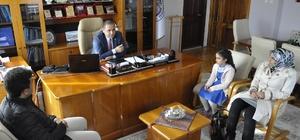 Başkan Çiftçi minik Boyraz'ı ödüllendirdi