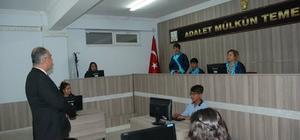 Adalet bölümü öğrencilerine uygulama sınıfı