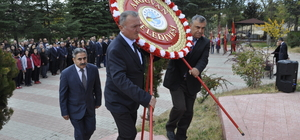 Büyük Önder Atatürk'ü anıyoruz