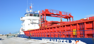 Karasu Limanı'nda ilk gemi heyecanı
