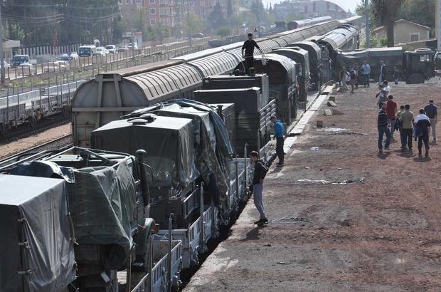Sınıra askeri araç ve personel sevkiyatı