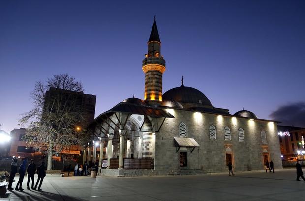 Erzurum'da binler tarihine yürüdü