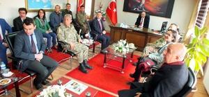 Vali Azizoğlu, Hınıs ve Karaçoban ilçelerini ziyaret etti
