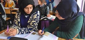 Köy köy dolaştılar, kızları okula kavuşturdular